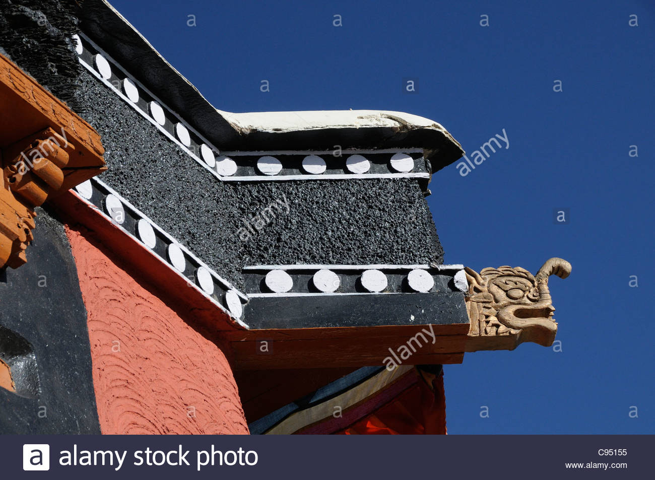 eaves-of-the-roof-of-the-thikse-gompa-monastery-tikse-tiksey-thiksey-C95155