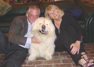 Immagine di Cathy O'Brien con Mark Phillips e il loro cane Sunny